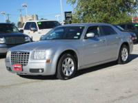 2006 Chrysler 300 4dr Car Touring Our Location is: