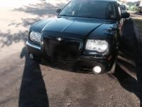 Up for sale 2006 Chrysler 300 hemi 5.7 v8 car rum and