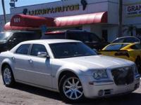 FULLY LOADED CHRYSLER 300 HEMI LUXURY AND POWER ALL IN