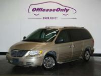 2006 Chrysler Town & Country Limited, Linen Gold