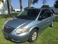 2006 Chrysler Town and Country Touring For