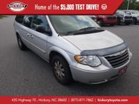Bright Silver Metallic Clearcoat 2006 Chrysler Town &