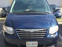 2006 Chrysler Town & Country Touring Minivan 4D call