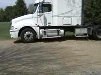 2006 Columbia Freightliner 48? Mid Roof Sleeper