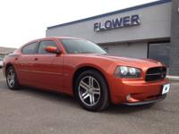 2006 Dodge Charger 4dr Car R/T Our Location is: Flower