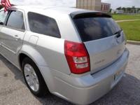 2006 Dodge Magnum Wagon Our Location is: Sunny Florida