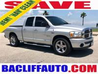 ***SUPER CLEAN***NAVIGATION***LEATHER SEATS***HEMI