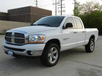 Ram 1500 Big Horn Quad Cab, 4.7L V8 Magnum, 5-Speed