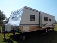 Like new 2006 Dutchman 28' Travel Trailer w/Slide.