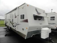 2006 Eagle RVs 322 FKS Beautiful Jayco! Spacious Front