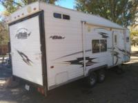 2006 Eclipse Attitude M-22FK. 22 feet in length- Double
