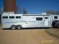 Elite 3 horse living qrts horse trailer 13 ft short