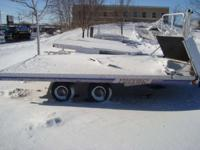 3 PLACE DRIVE ON AND OFF! CATEGORY_NAME: Trailers TYPE: