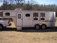 FOR SALE: 2006 EXISS HORSE TRAILER 3 horse slant load