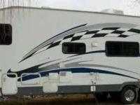 2006 Fleetwood Gearbox M335FS Toy Hauler This Fleetwood