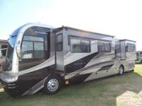 2006 Fleetwood Revolution 40L. Diesel pusher. Full body
