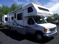 2006 Fleetwood Tioga 31M 2 slides!!! 11,300 miles on