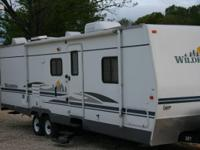 2006 Fleetwood Wilderness M-3102BDS . This is a well
