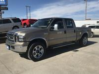 Come see this 2006 Ford Super Duty F-250 XLT. Its