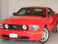 Mustang GT Premium, 2D Coupe, 4.6L V8 24V, 5-Speed