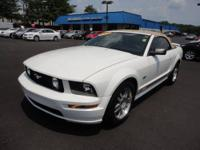 Looks fantastic! A ton of features on this 2006 GT!