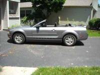 2006 Ford Mustang Convertible This 2006 Ford Mustang