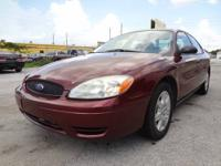 SUPER CLEAN IN AND OUT 2006 FORD TAURUS SE LOADED WITH