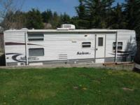 2006 Forest River Salem LE Travel Trailer This 27 foot