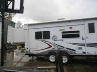 2006 Forest River Surveyor Travel Trailer This super
