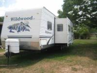2006 Forest River Wildwood This travel trailer is fully