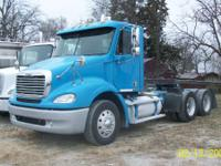 Conventional Trucks Day Cab. 2006 Freightliner COLUMBIA