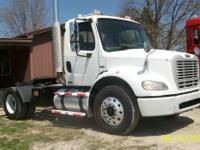 2006 Freightliner M-2 450HP SINGLE AXLE TRACTOR TRUCK
