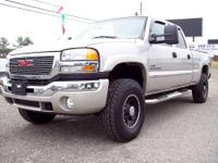 2006 GMC 2500 HD, Crew Cab, 4x4, LBZ Duramax, 6 Speed