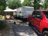 32' Travel Trailer - New Tires, New Microwave, New