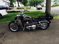 This is an exceptionally clean 2006 dyna with only