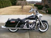 2006 Harley Davidson Road-king. Excellent condition! I