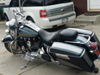 2006 HARLEY ROADKING WITH FRESH NEW CUSTOM PAINT ,APES,