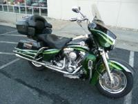 Year: 2006Exterior Color: Black Emerald/Majestic Green