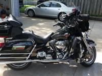 For sale: Beautiful Black 2006 Ultra Classic Electra