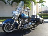 This is a stunning 2006 Harley Road King Classic. This