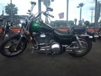 Dyna lowrider, six speed transmission. Extremely nice
