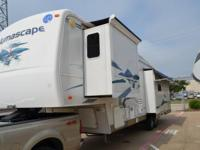 2006 Holiday Rambler Alumascape M-34RLT. This 34 feet