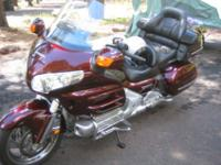 2006 Honda Gold wing for sale. Caliente Red Level