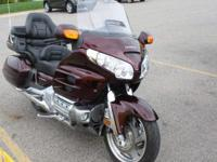 2006 Honda Gold Wing, This bike is absolutely loaded.