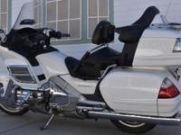 2006 Honda Goldwing 1800 - 36,000 miles, never down No
