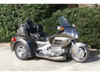 Trike Motorcycle, Titanium Metallic, 1832cc cc,