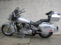 2006 HONDA VTX 1300 R TOURER WITH 10000 MILES IN