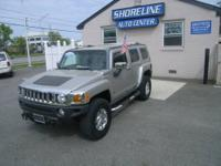 A RARE FIND!!!!!! MINT CONDITION ***2006 HUMMER