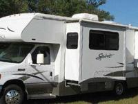 2006 Itasca 27' Spirit Double Slide Out with 9,000