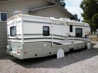 Well maintained 2006 30' Fleetwood Jamboree GT (Model